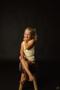 Milou als model in mijn studio als een echt dametje